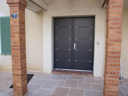 Installations de portes d 39 entr e ozoir sucy for Porte d entree double