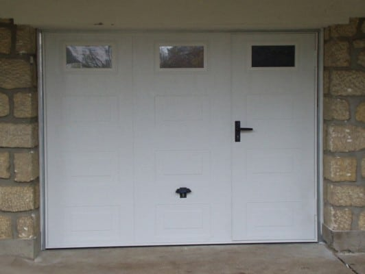 Dimension garage porte de garage basculante avec for Porte garage sectionnelle avec portillon
