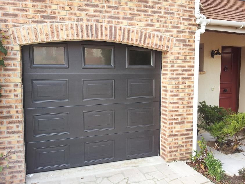 Portes de garage 77 94 ozoir pontault lagny chelles for Garage stadium ozoir la ferriere
